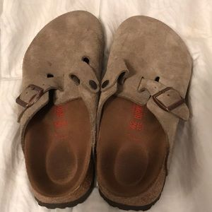 Tan Suede Birkenstocks